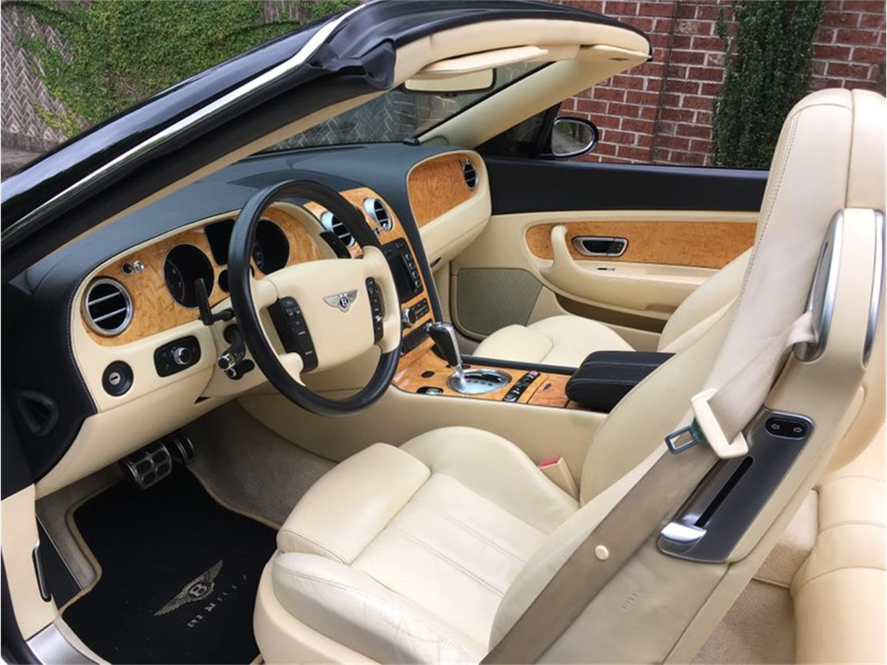 Large Picture of '07 Continental located in North Carolina Auction Vehicle Offered by GAA Classic Cars Auctions - QD6O