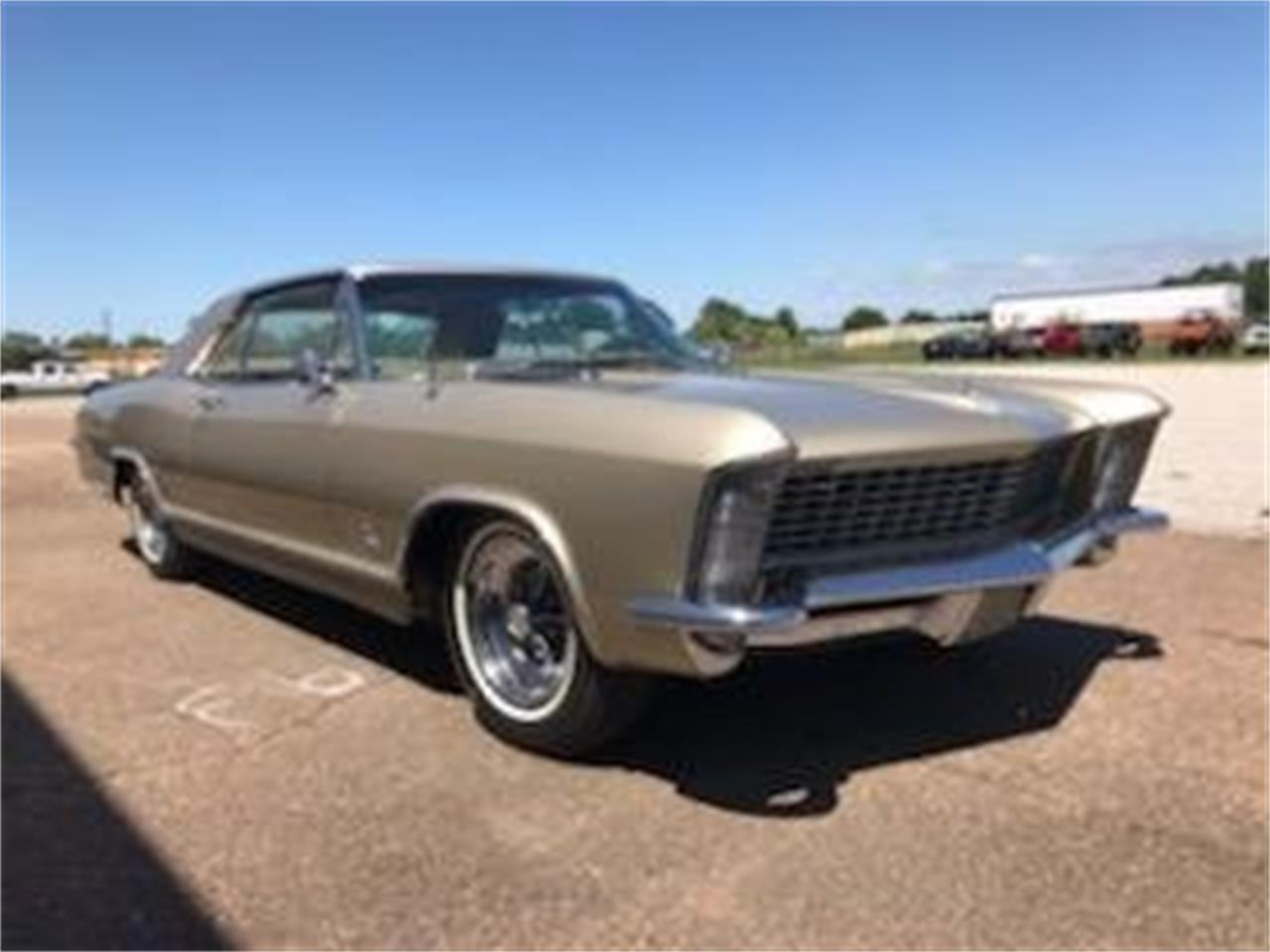 Large Picture of Classic '65 Buick Riviera Auction Vehicle Offered by GAA Classic Cars Auctions - QD6R