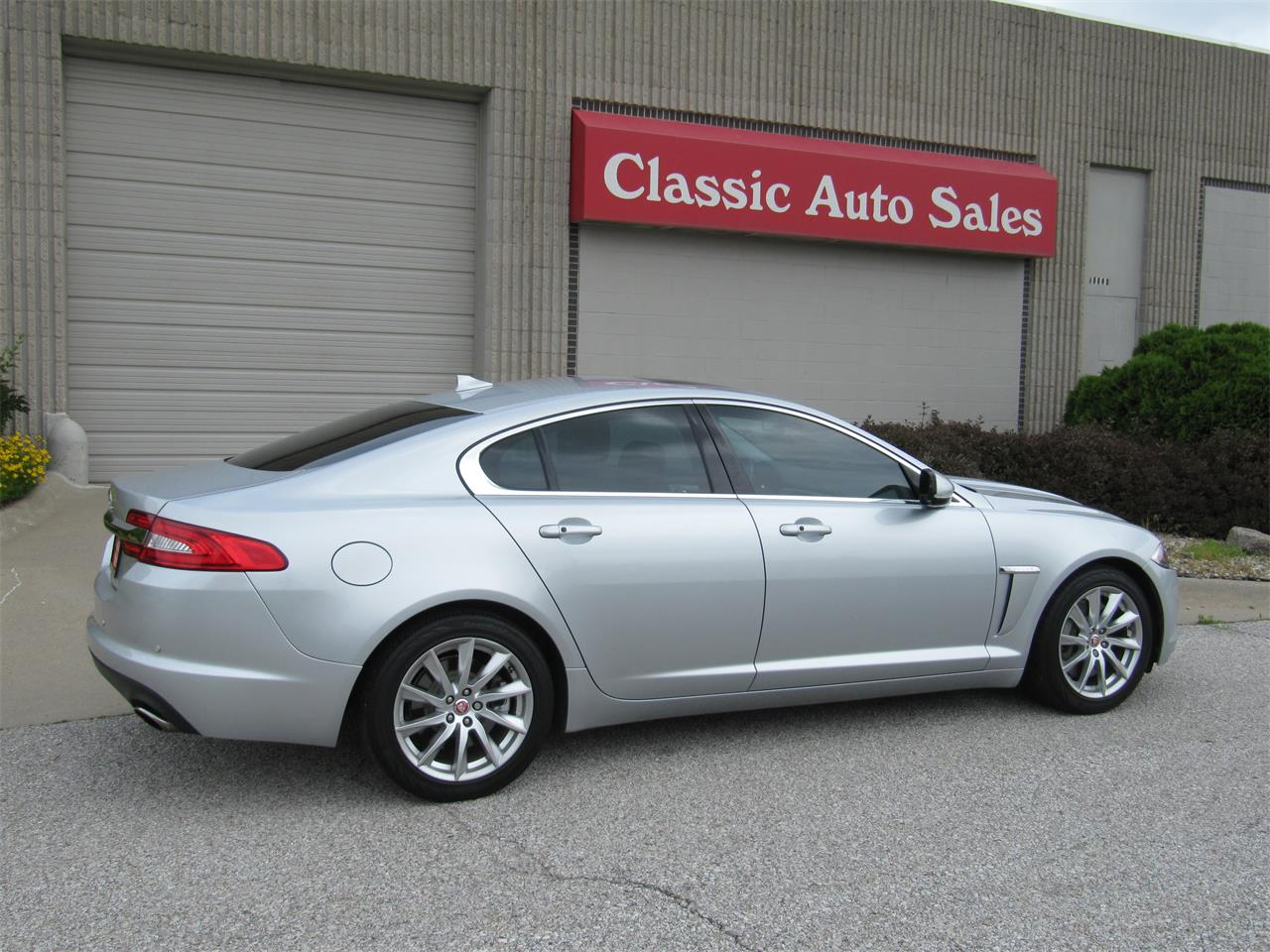 Large Picture of 2015 Jaguar XF located in Nebraska - $23,900.00 Offered by Classic Auto Sales - QD33