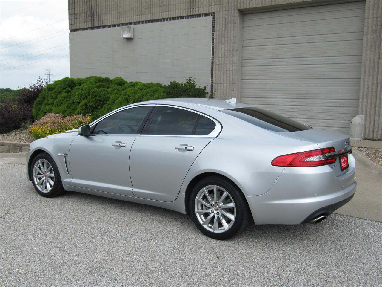 Large Picture of '15 Jaguar XF - $23,900.00 Offered by Classic Auto Sales - QD33