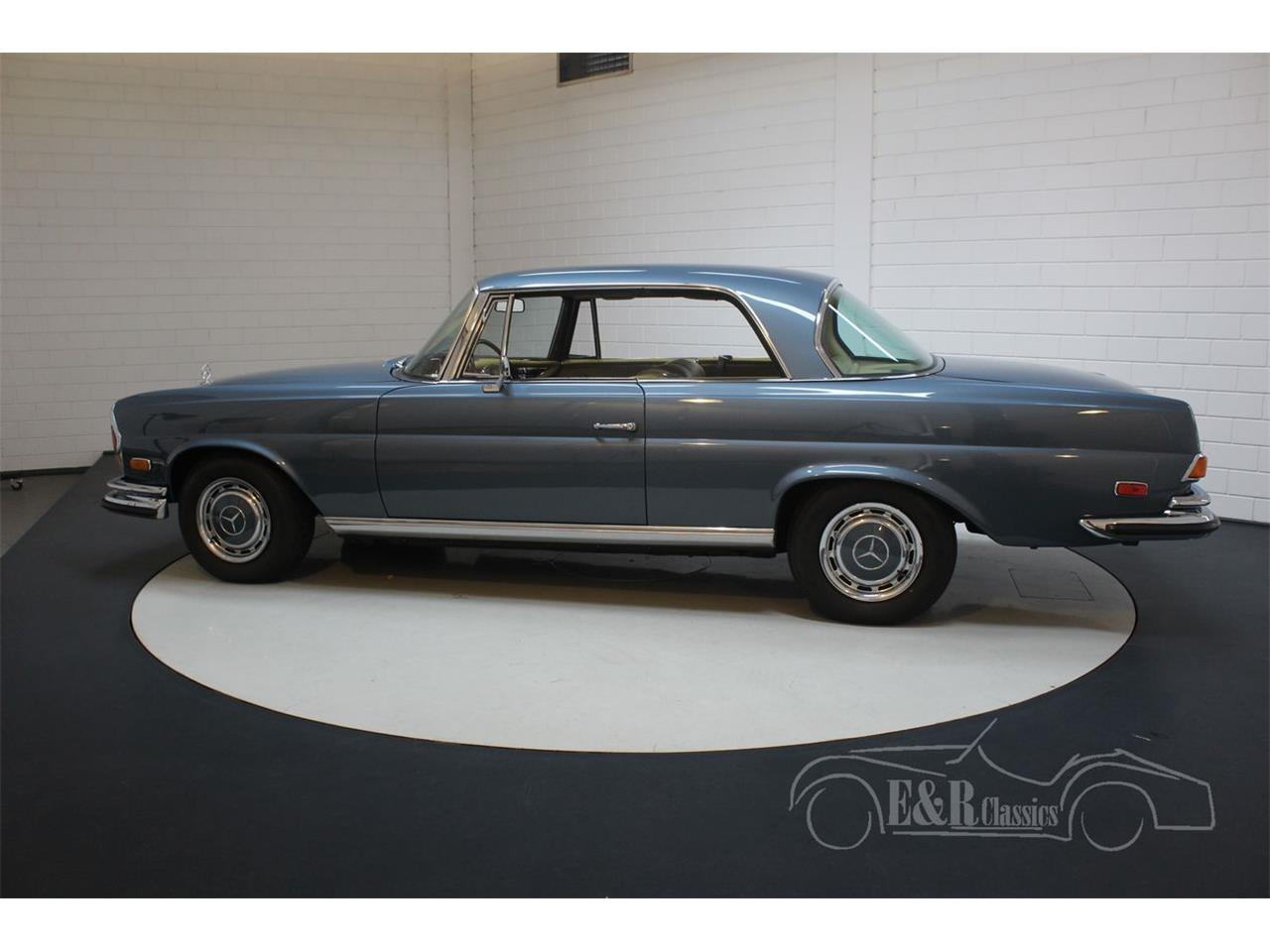 Large Picture of Classic '71 Mercedes-Benz 280SE - $113,800.00 Offered by E & R Classics - QEBY