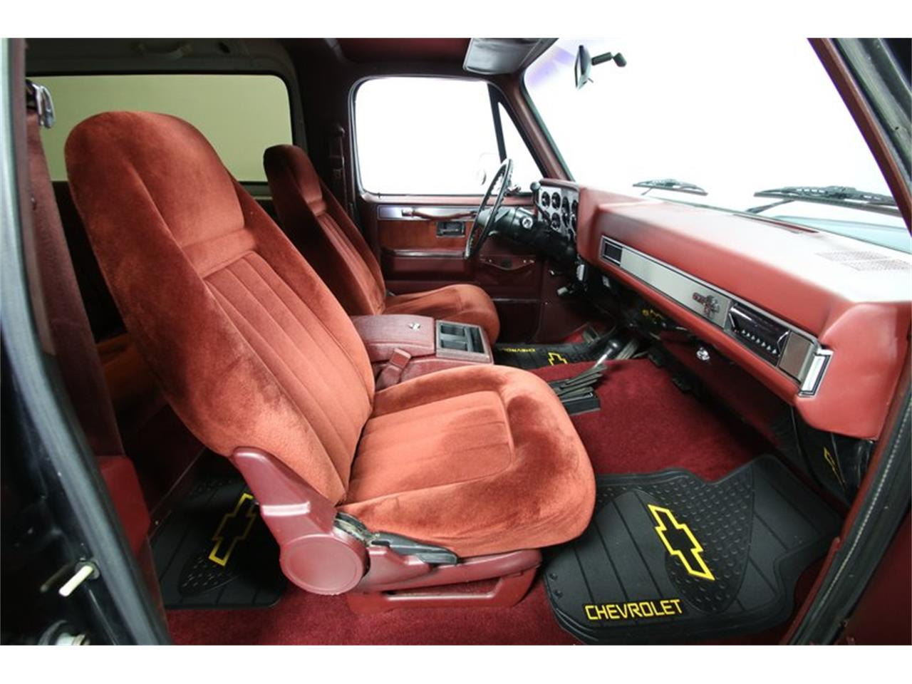 Large Picture of '88 Chevrolet Blazer located in Concord North Carolina - QEFQ
