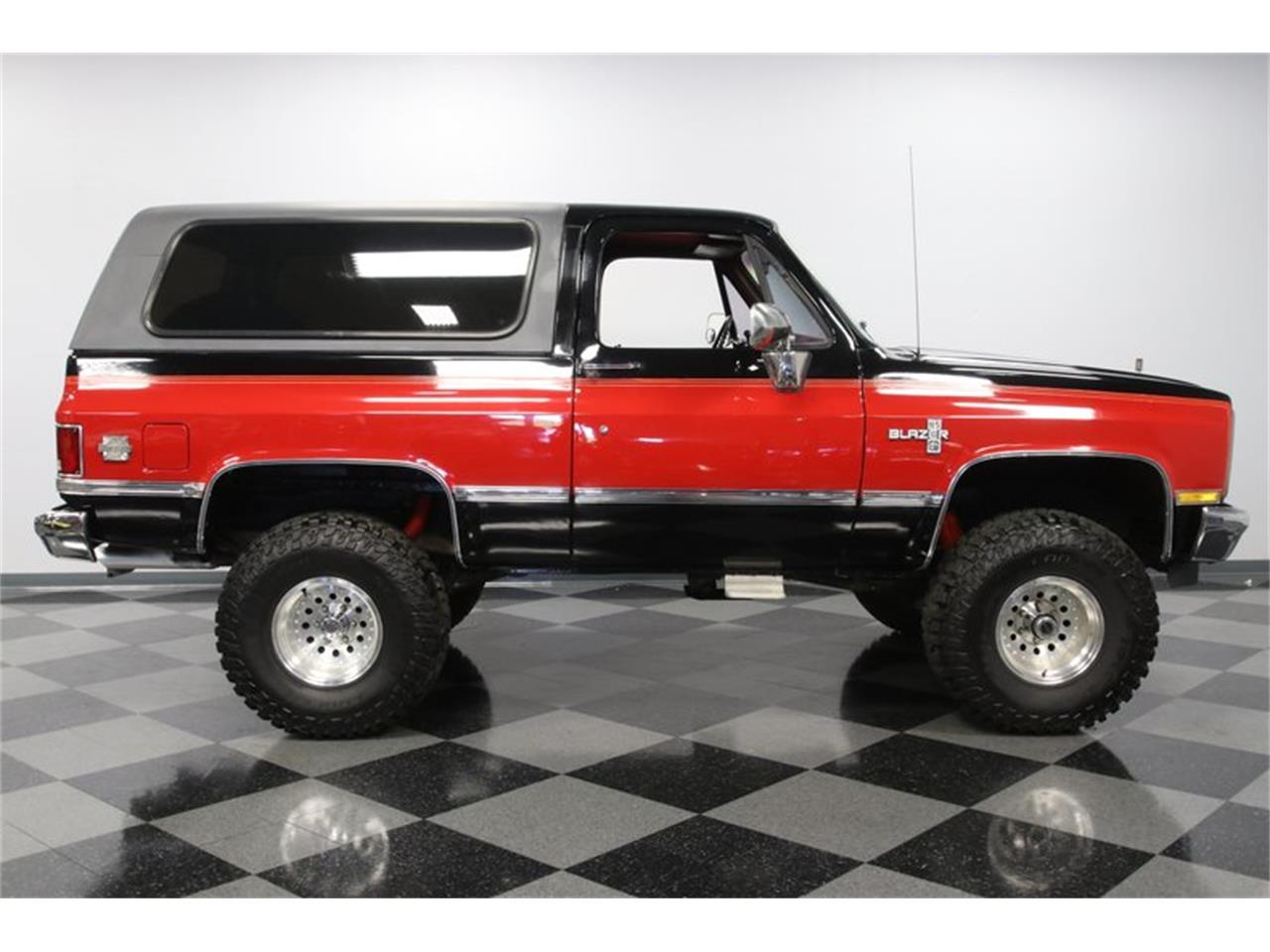 Large Picture of 1988 Blazer located in Concord North Carolina - QEFQ