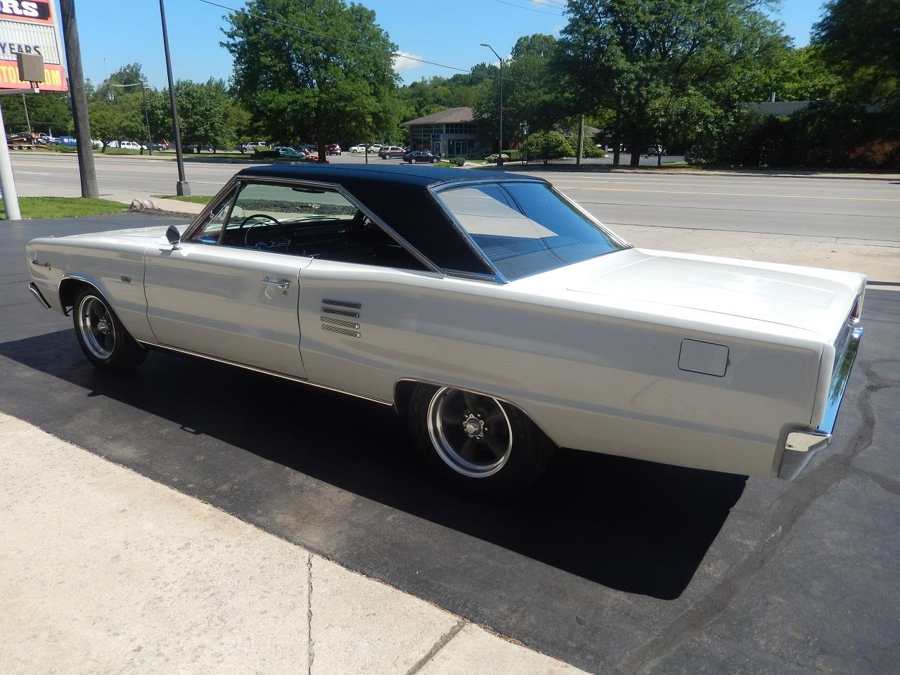Large Picture of '66 Coronet 500 located in Clarkston Michigan Offered by Southern Motors - QEK3