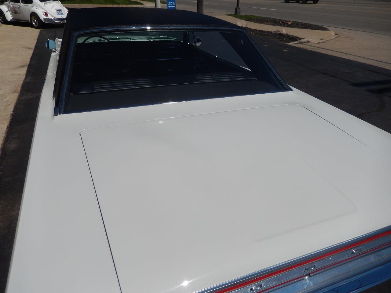 Large Picture of Classic 1966 Coronet 500 located in Clarkston Michigan - QEK3