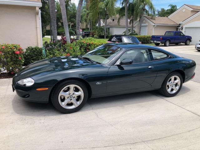 Picture of 2000 Jaguar XK8 located in Florida - QD85