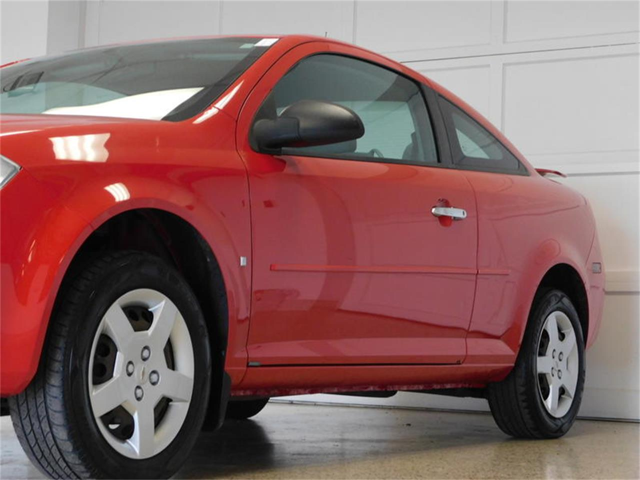 Large Picture of '07 Chevrolet Cobalt located in Hamburg New York Offered by Superior Auto Sales - QEMW