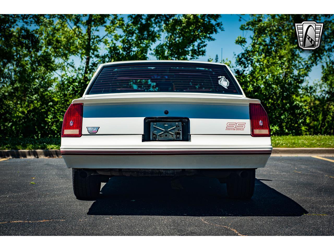 Large Picture of 1988 Chevrolet Monte Carlo located in O'Fallon Illinois - $22,000.00 - QENP