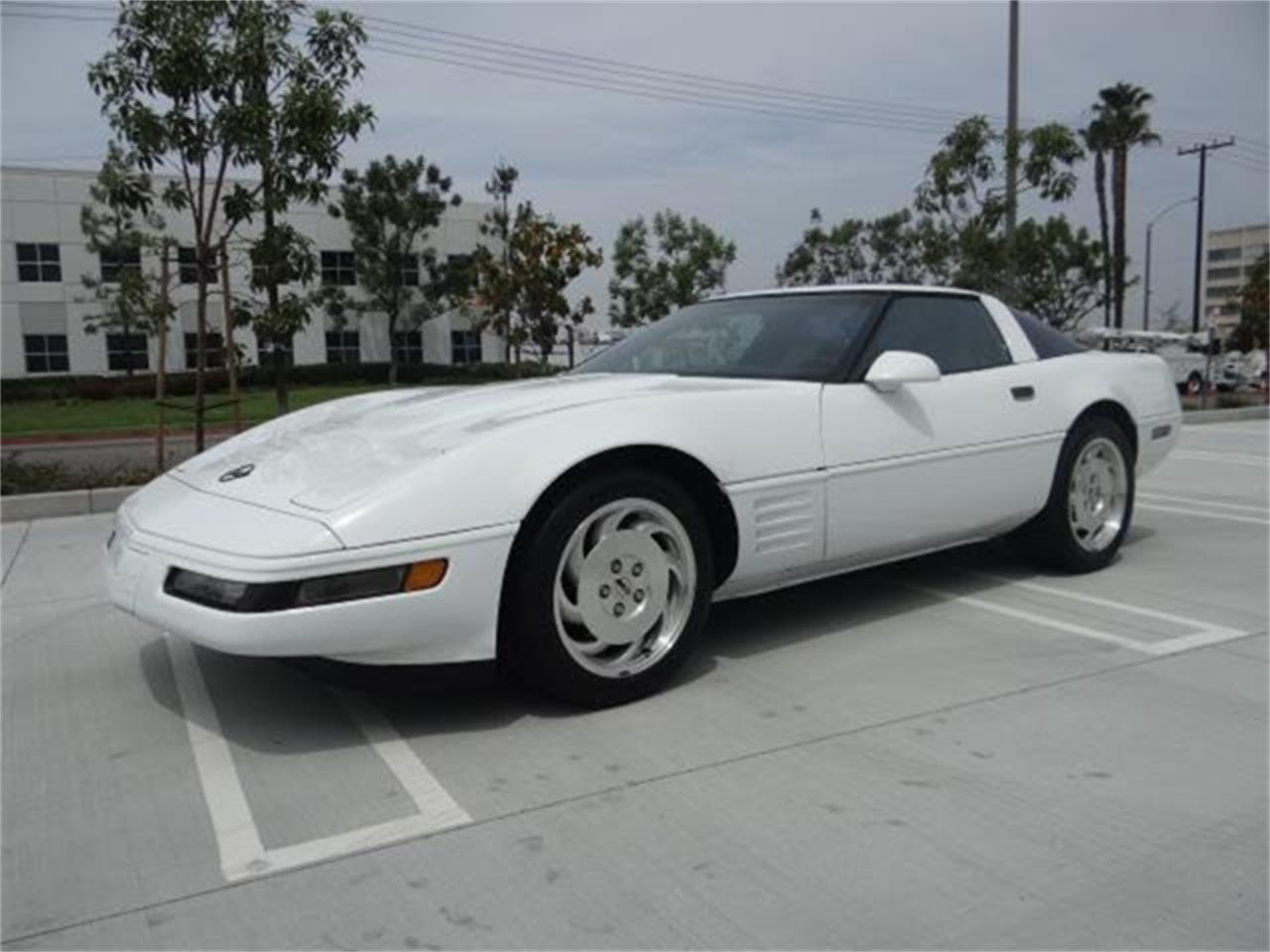 Large Picture of '94 Chevrolet Corvette - $12,999.00 Offered by Prestige Motor Car Co. - QETU