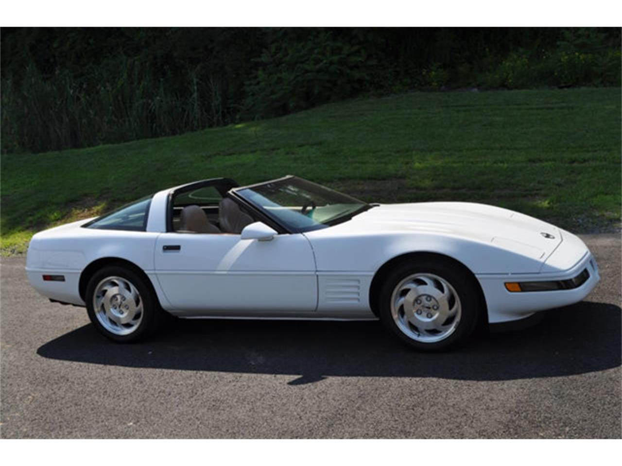 Large Picture of 1994 Chevrolet Corvette - $12,999.00 - QETU