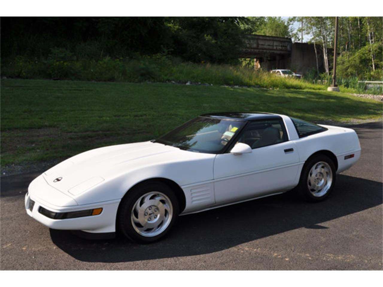 Large Picture of '94 Corvette - $12,999.00 - QETU