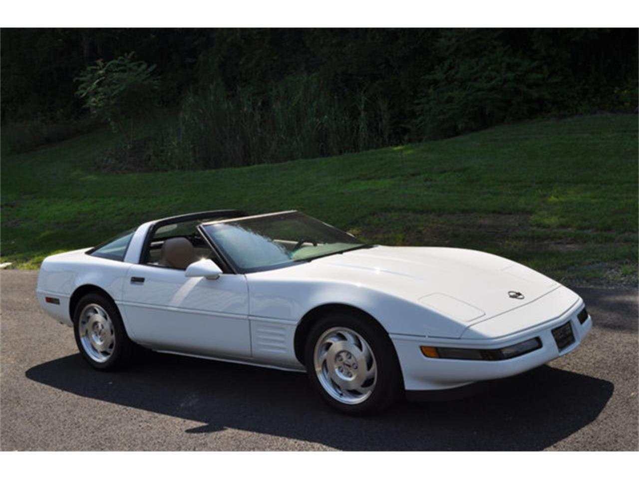 Large Picture of '94 Corvette - $12,999.00 Offered by Prestige Motor Car Co. - QETU