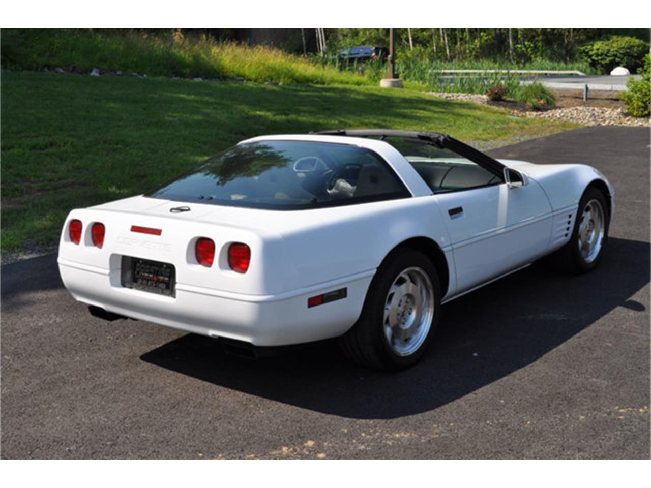 Large Picture of '94 Corvette - QETU