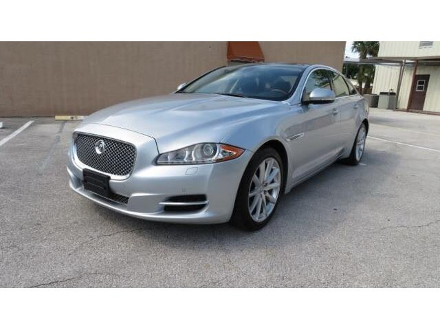 Picture of '11 Jaguar XJ Offered by  - QFBG