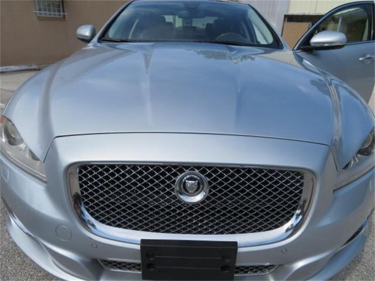 Large Picture of '11 XJ - QFBG
