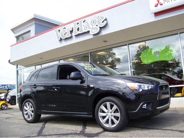 Picture of 2012 Mitsubishi Outlander located in Holland Michigan - QFBH