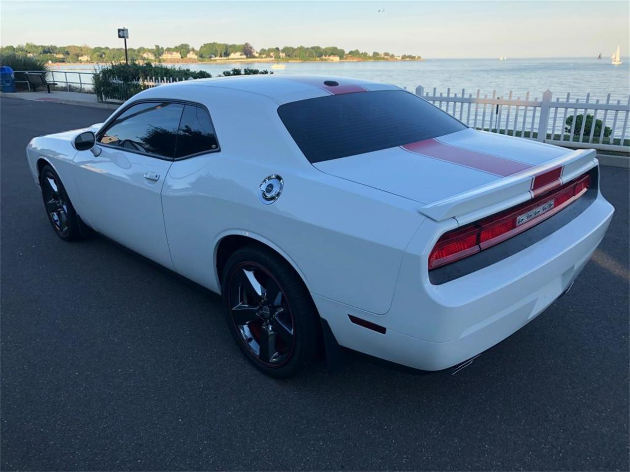 Large Picture of 2012 Dodge Challenger located in Milford City Connecticut - QFO0