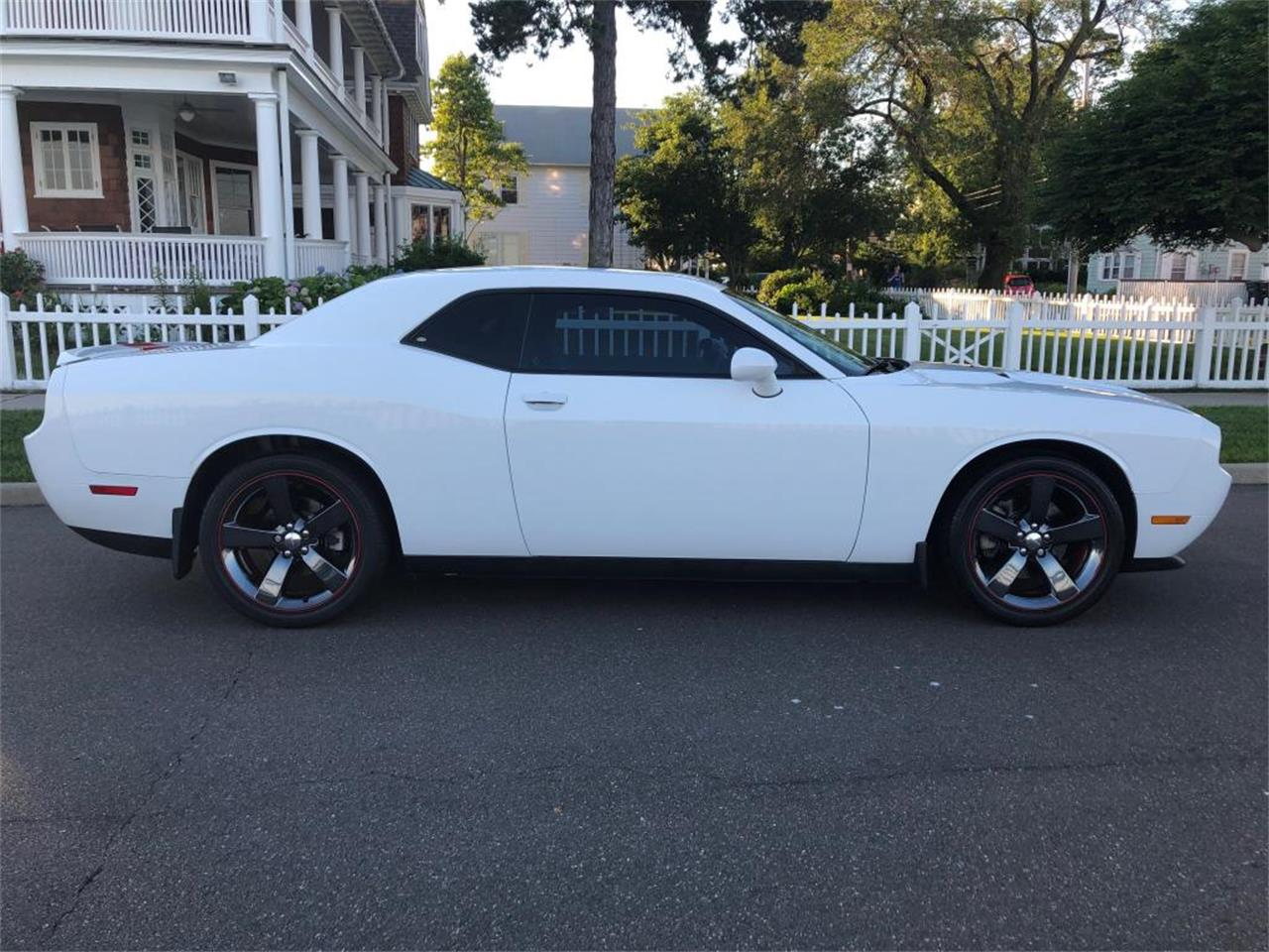 Large Picture of 2012 Dodge Challenger Offered by Napoli Classics - QFO0