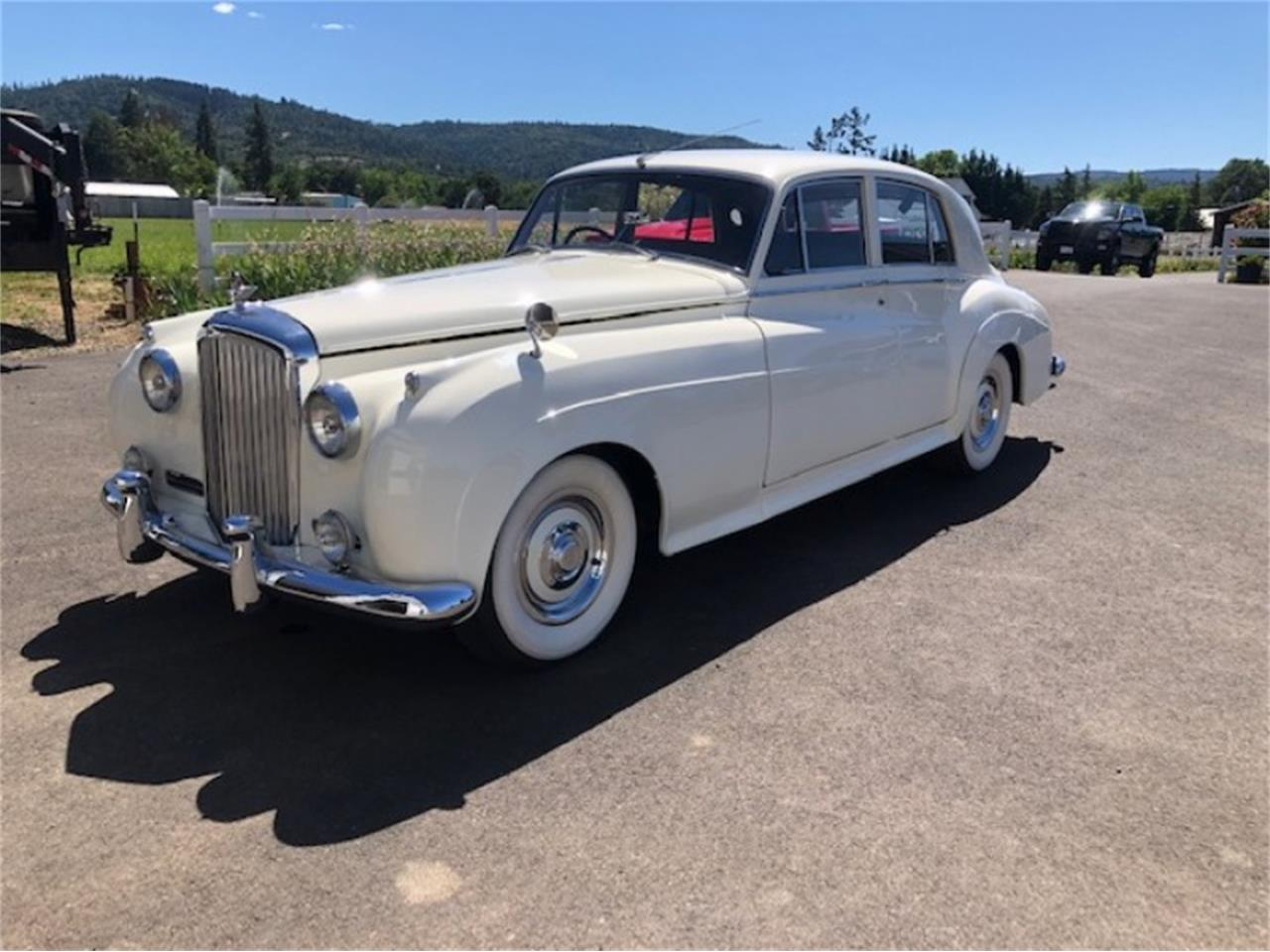 Large Picture of Classic 1958 Bentley Saloon located in Sparks Nevada Offered by Motorsport Auction Group 797664 - QFV9