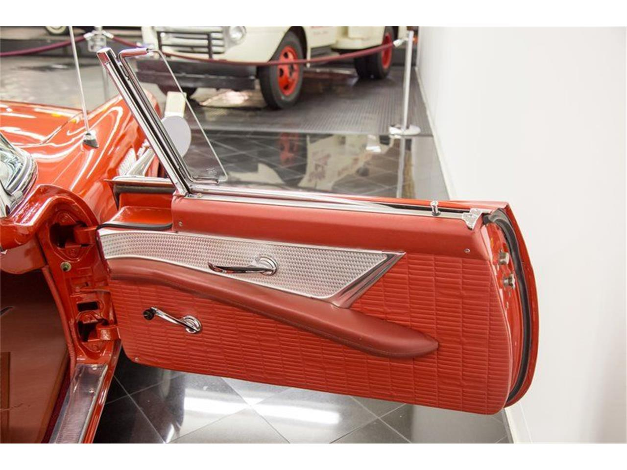 Large Picture of '57 Thunderbird - QG1B