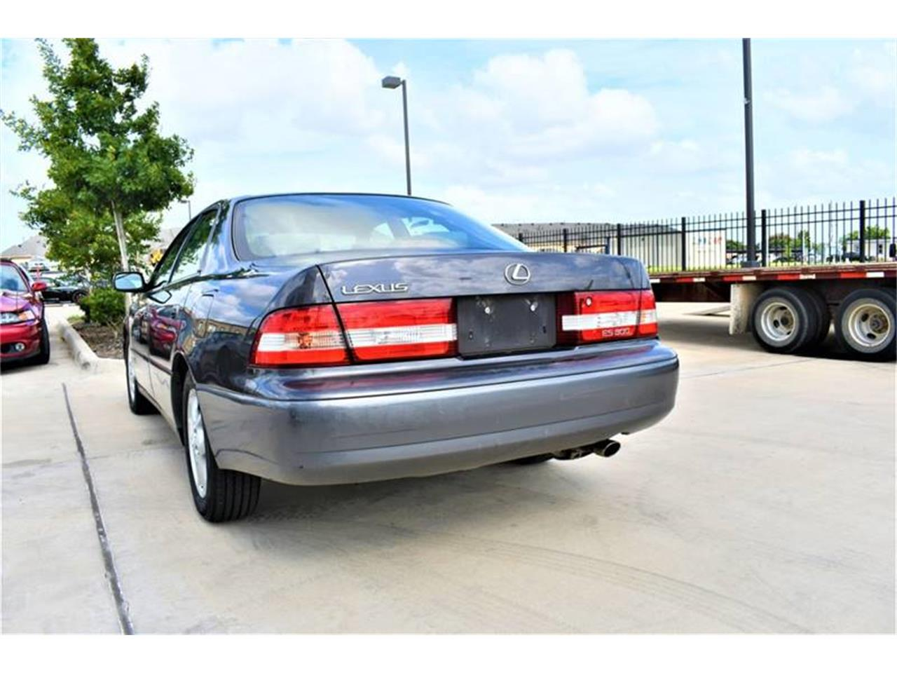 Large Picture of '00 ES300 located in Houston Texas - $4,200.00 - QG42