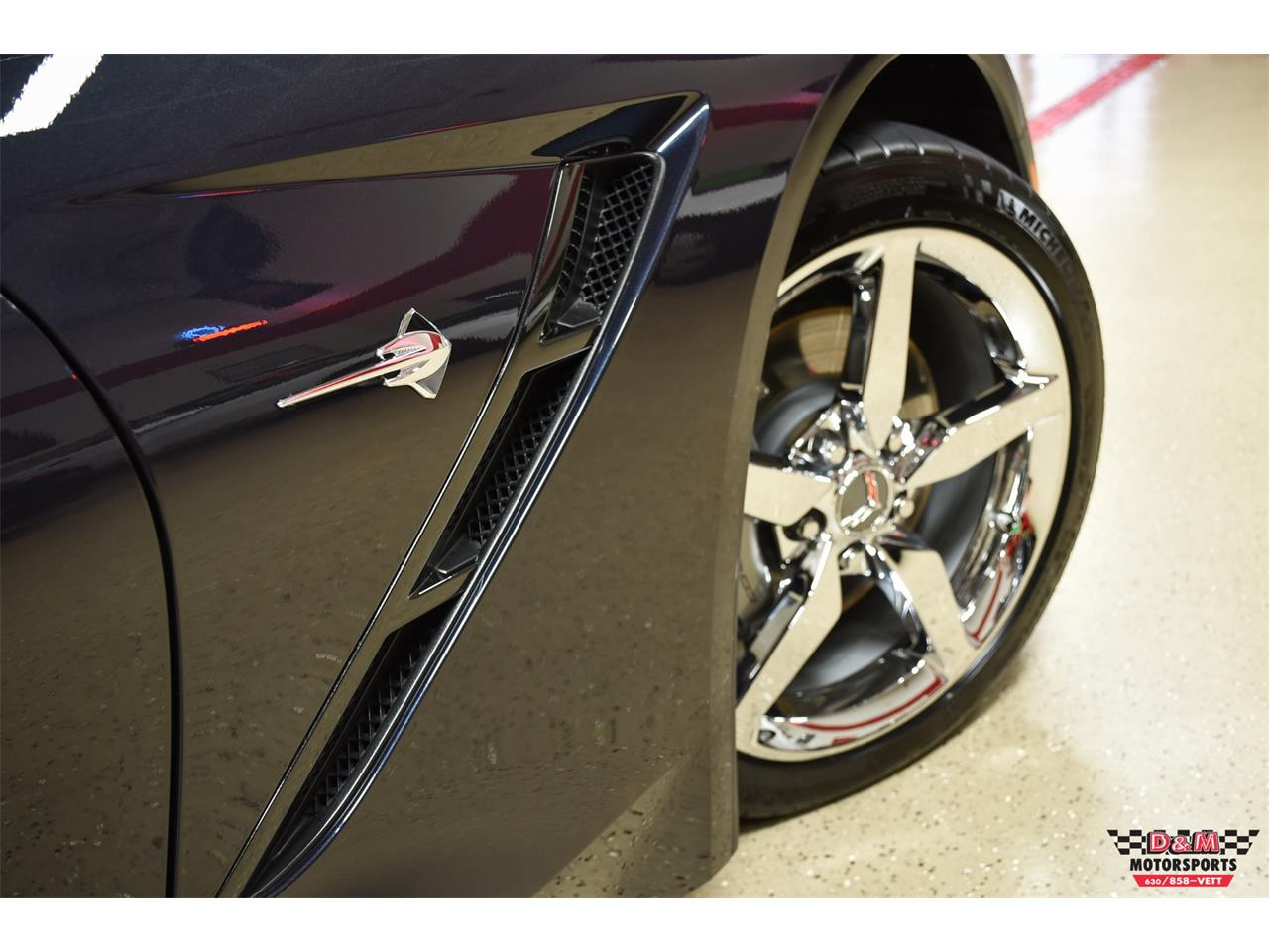 Large Picture of 2015 Chevrolet Corvette located in Glen Ellyn Illinois - $45,995.00 - QGAK