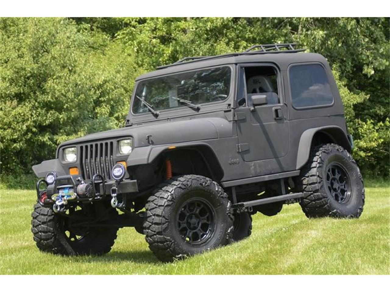 Large Picture of '93 Jeep Wrangler located in Indiana - QGAN