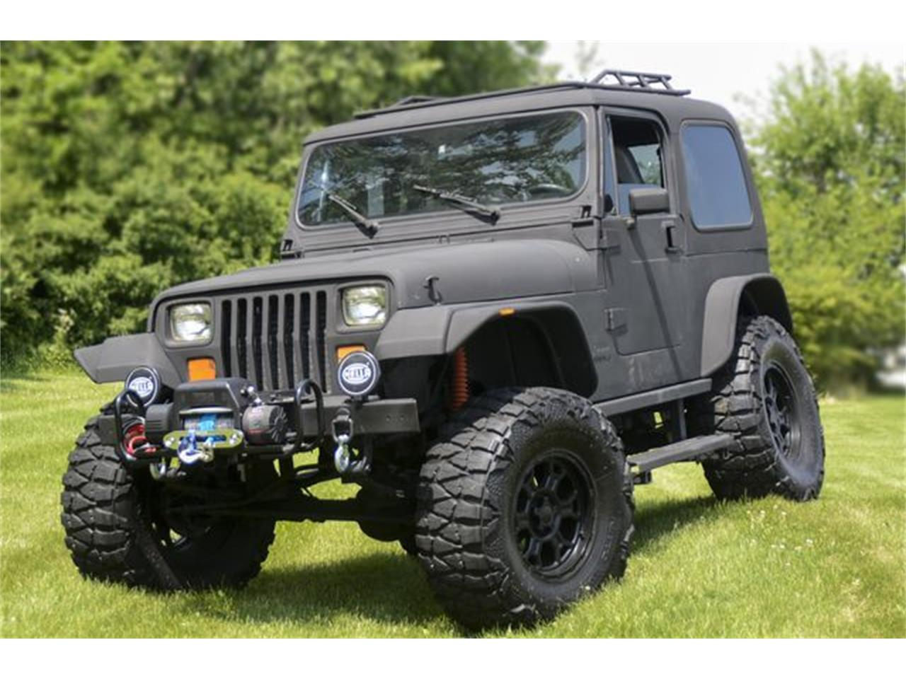 Large Picture of '93 Jeep Wrangler - QGAN