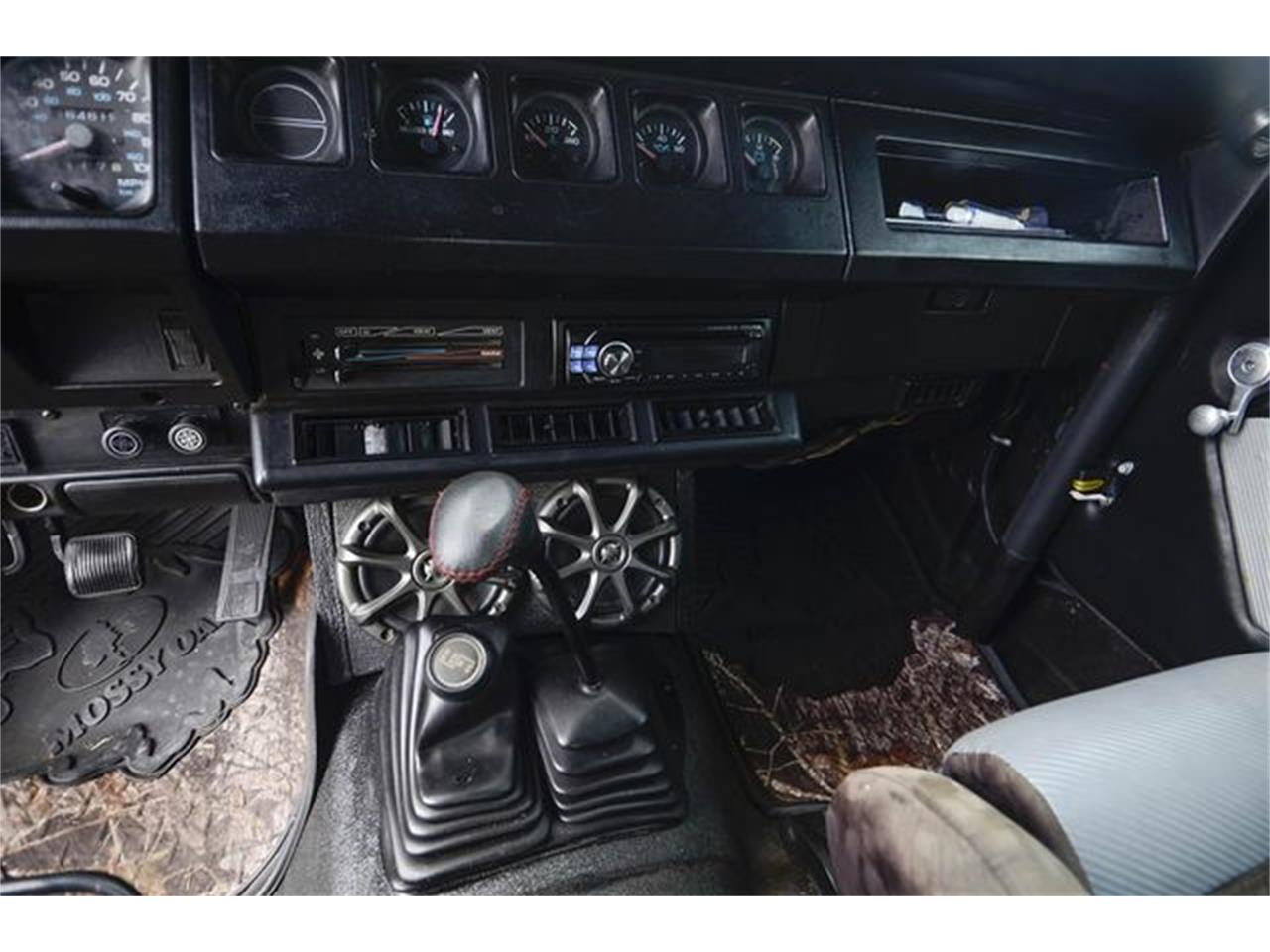 Large Picture of '93 Jeep Wrangler located in Indianapolis Indiana - $7,800.00 - QGAN