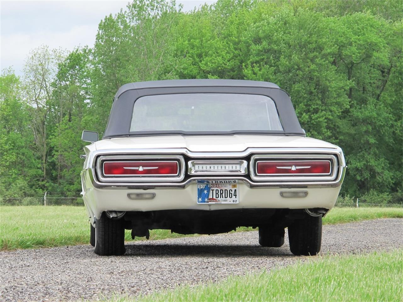Large Picture of '64 Ford Thunderbird located in Indiana Auction Vehicle - QGB2