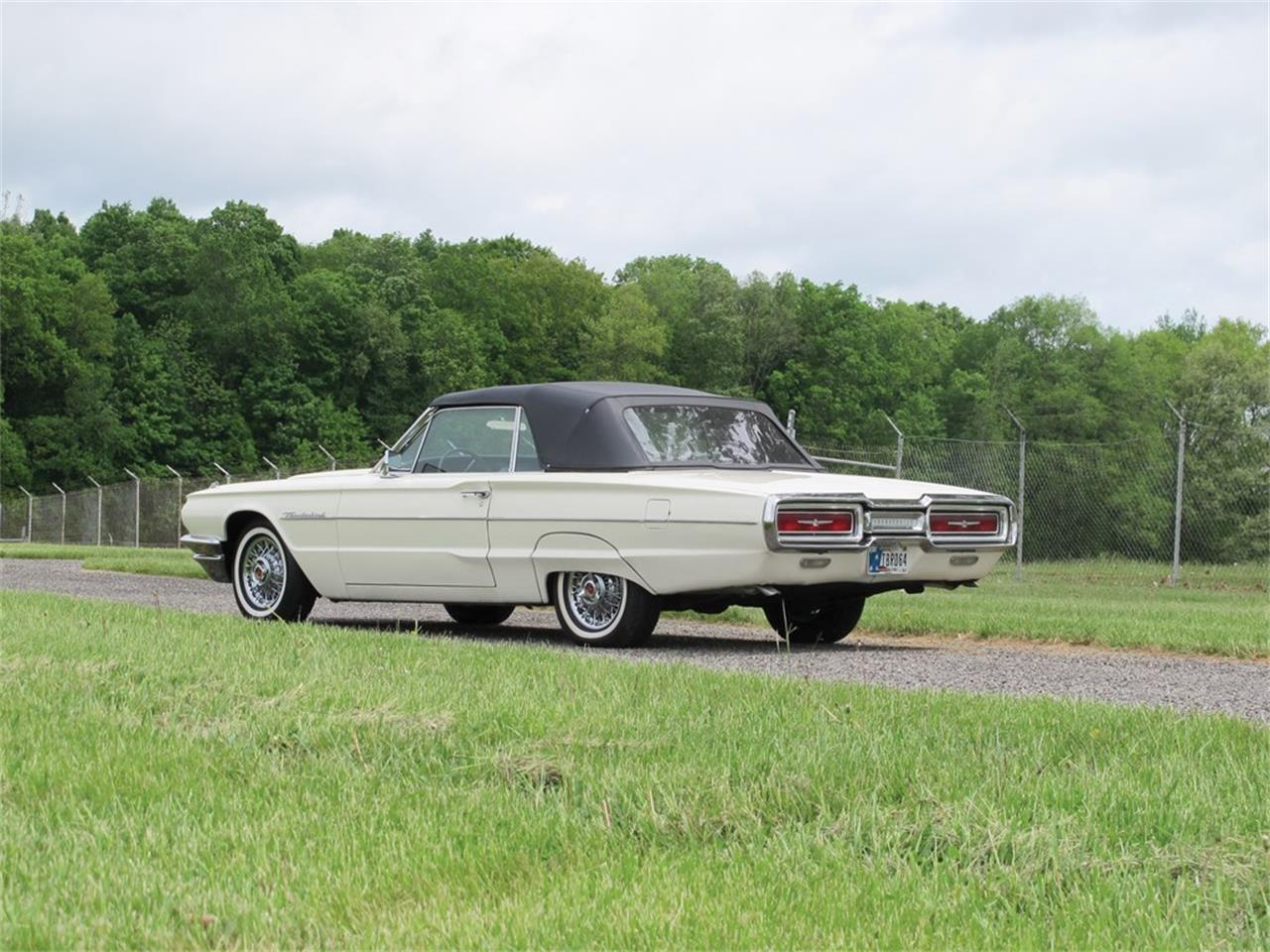 Large Picture of Classic 1964 Thunderbird Auction Vehicle - QGB2