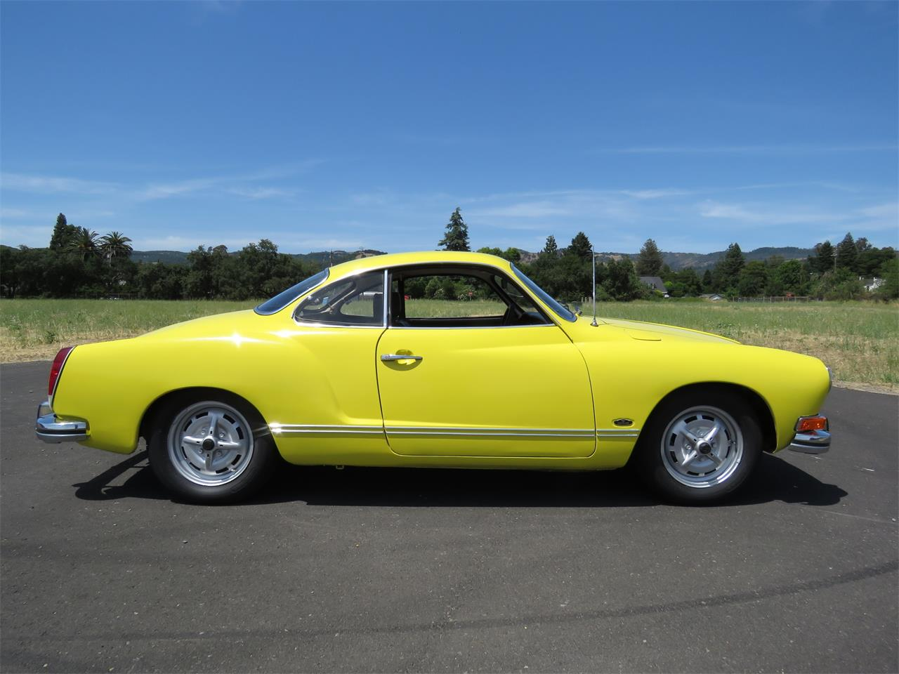 Large Picture of '73 Karmann Ghia - QDEC
