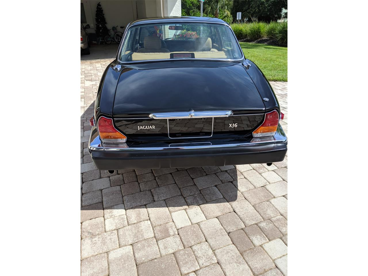 Large Picture of '87 XJ6 - QDEL