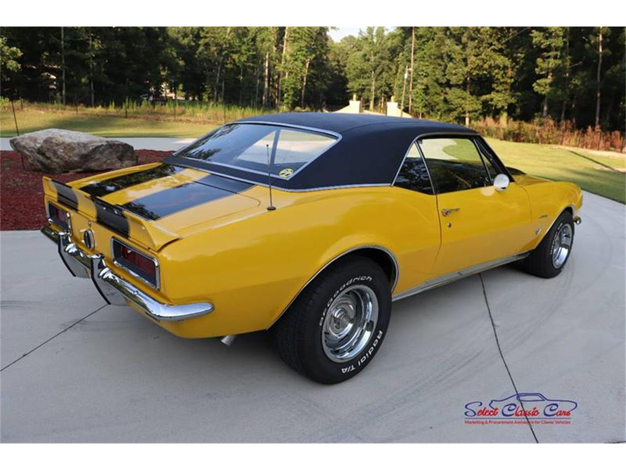 Large Picture of '67 Camaro - $32,500.00 Offered by Select Classic Cars - QGFQ