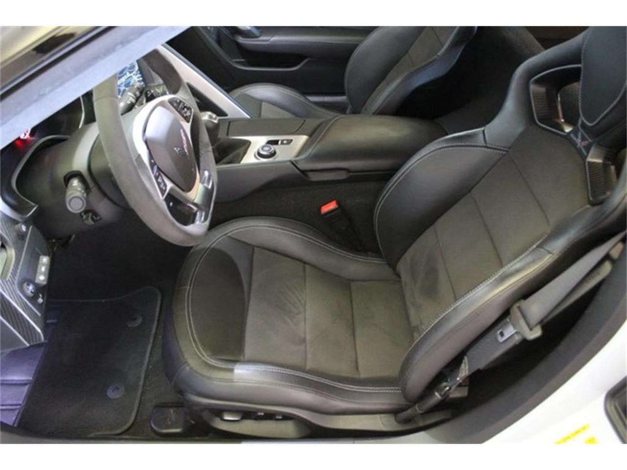 Large Picture of '18 Corvette - QGI9