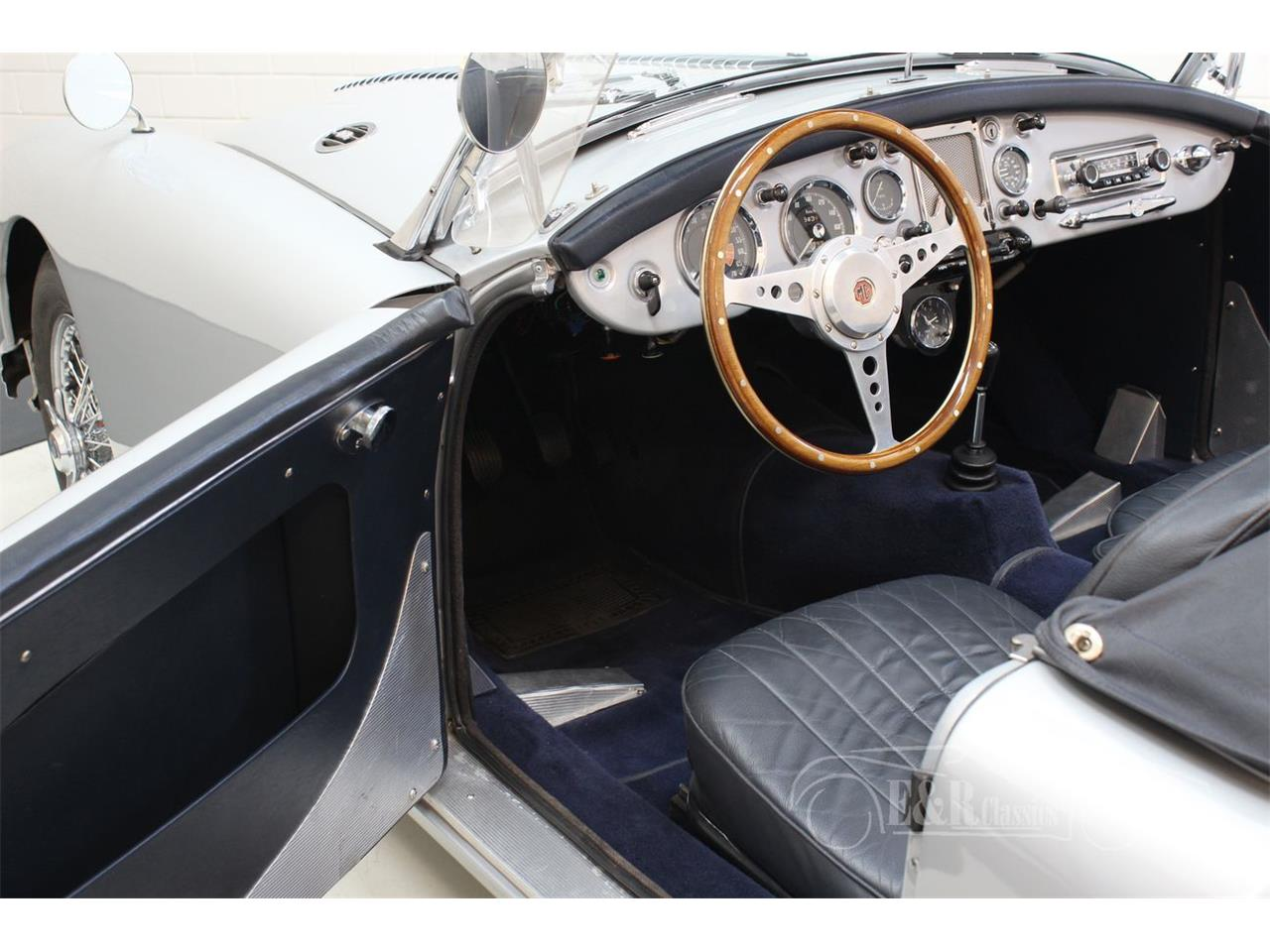 Large Picture of '59 MGA - QGJZ