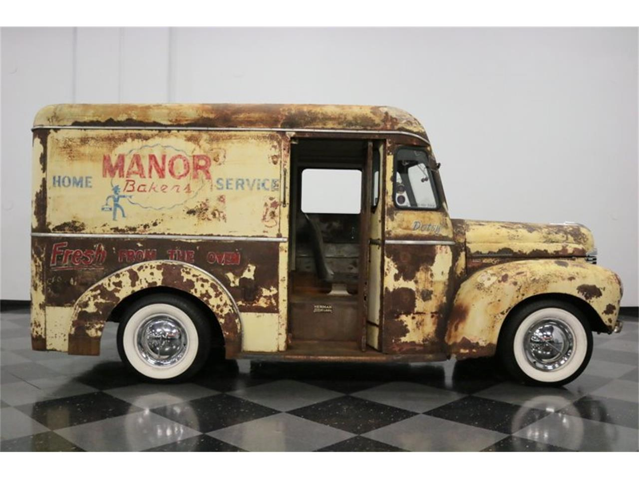 Large Picture of '47 Harvester - QGTW