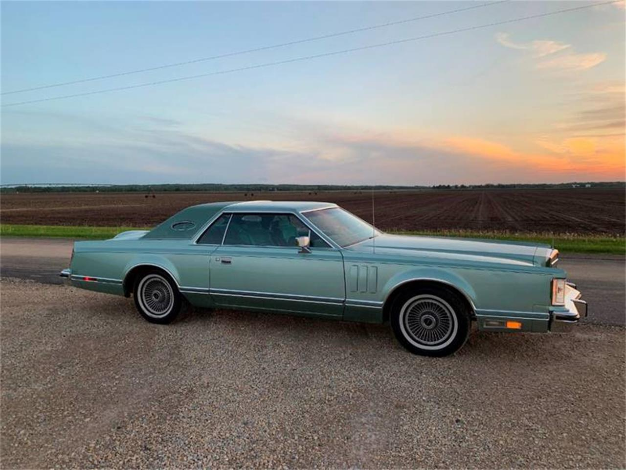 Large Picture of '78 Lincoln Continental - QGWL