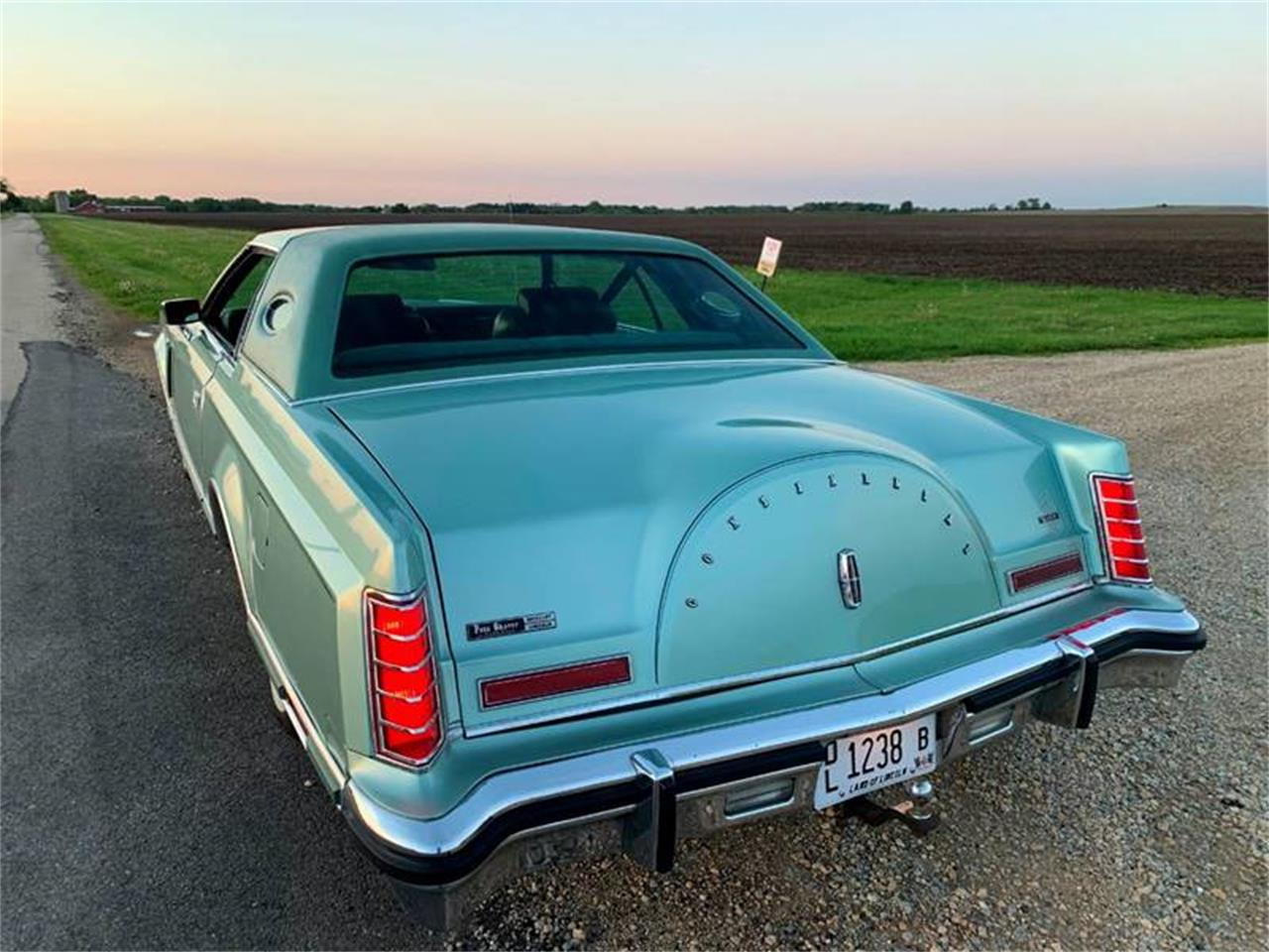 Large Picture of 1978 Lincoln Continental located in Carey Illinois - $15,000.00 - QGWL