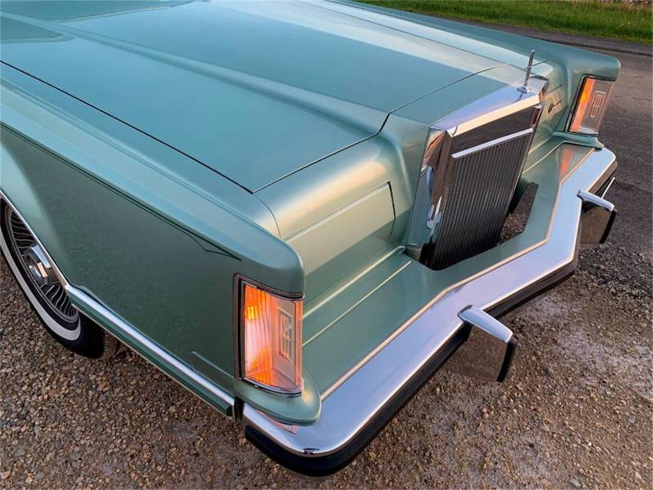 Large Picture of 1978 Lincoln Continental located in Carey Illinois - QGWL