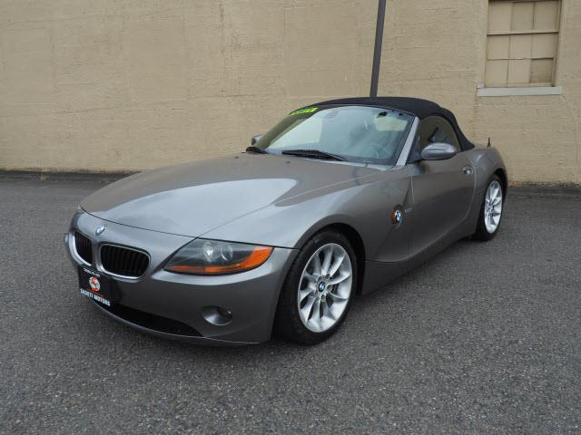 Picture of 2004 Z4 located in Washington - $9,990.00 Offered by  - QH0W
