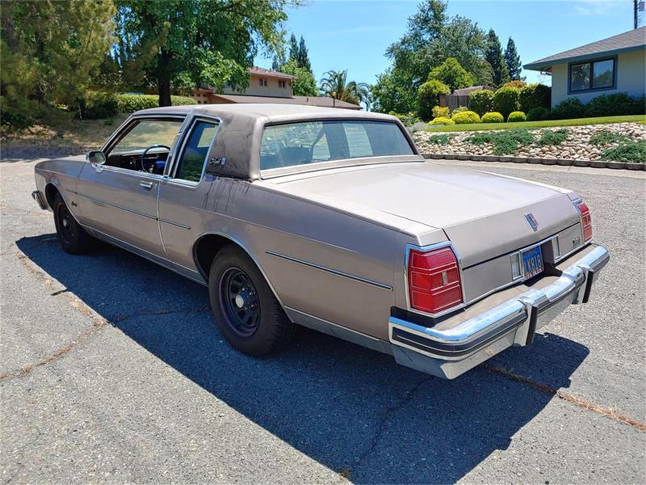 Large Picture of '83 Delta 88 located in California - $5,000.00 Offered by Classic Car Guy - QH3P