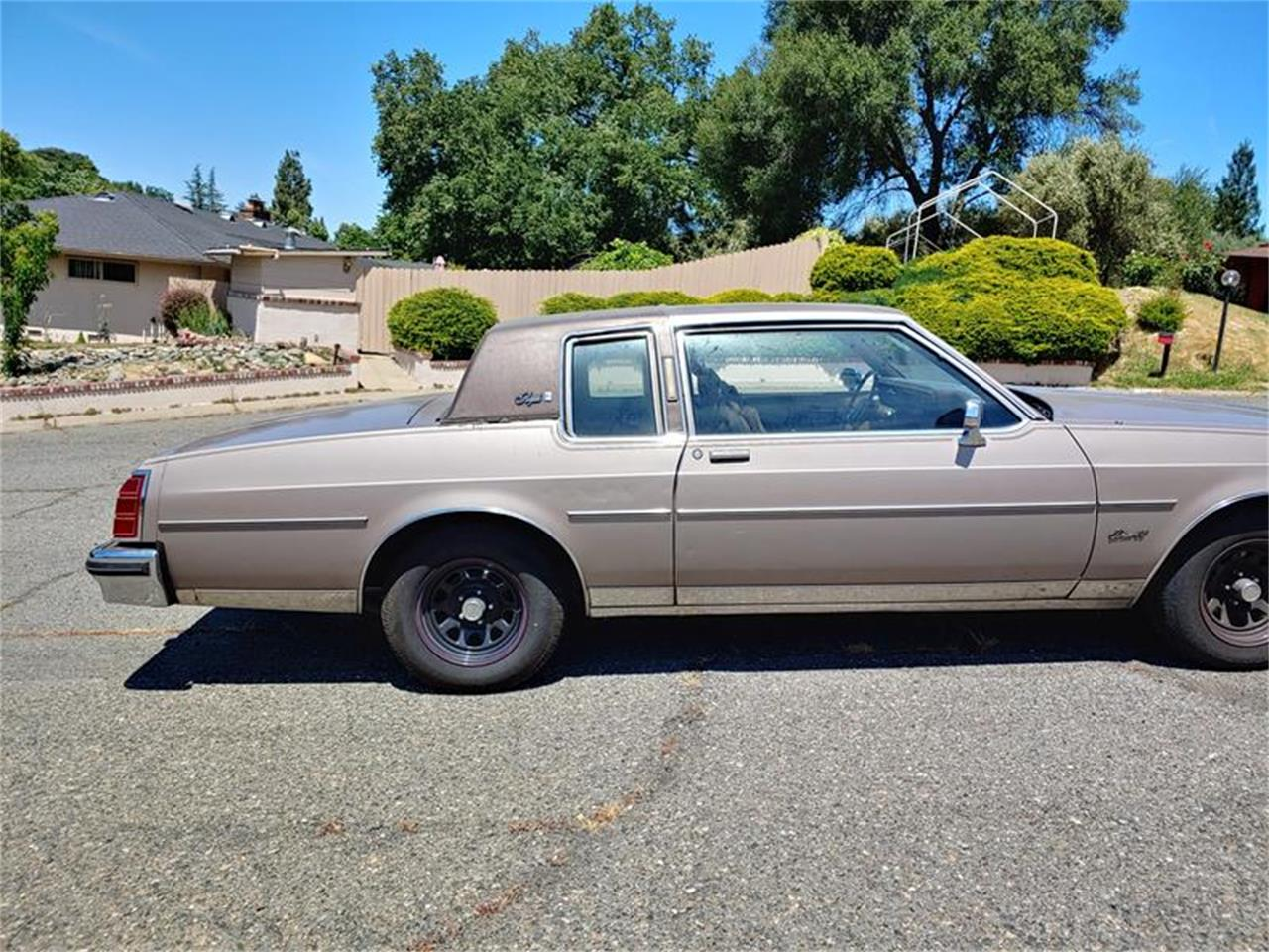 Large Picture of 1983 Oldsmobile Delta 88 - $5,000.00 Offered by Classic Car Guy - QH3P