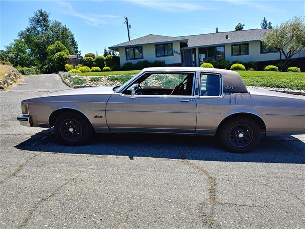 Large Picture of 1983 Delta 88 Offered by Classic Car Guy - QH3P