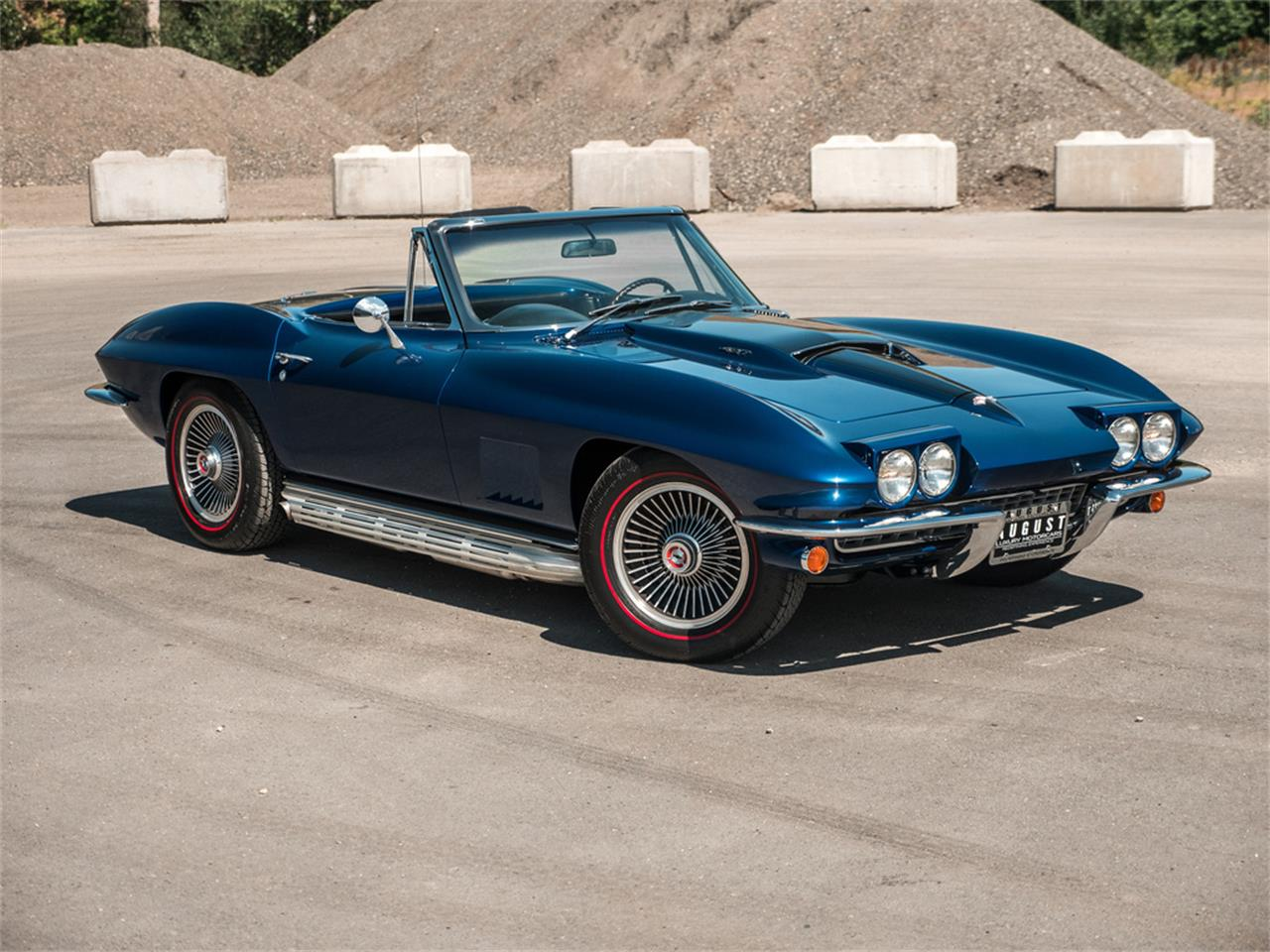 Large Picture of '67 Corvette Offered by August Motorcars - QH6N