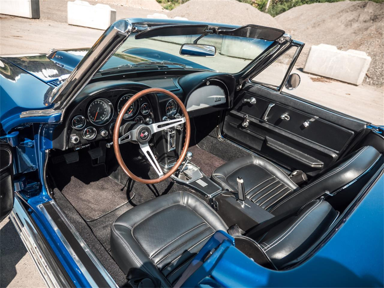 Large Picture of Classic 1967 Corvette Offered by August Motorcars - QH6N