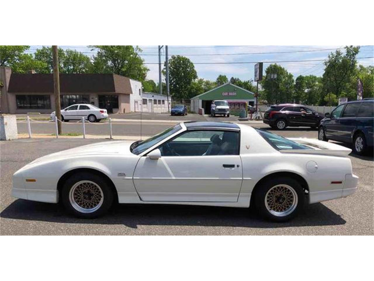 Large Picture of '87 Pontiac Firebird Trans Am located in New Jersey - QI1L