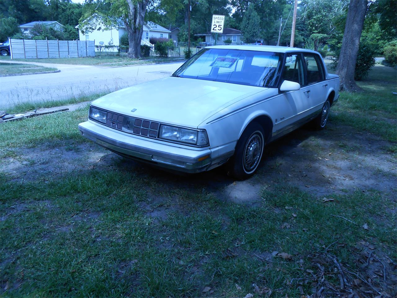 Large Picture of '89 98 Regency Brougham - QI1T