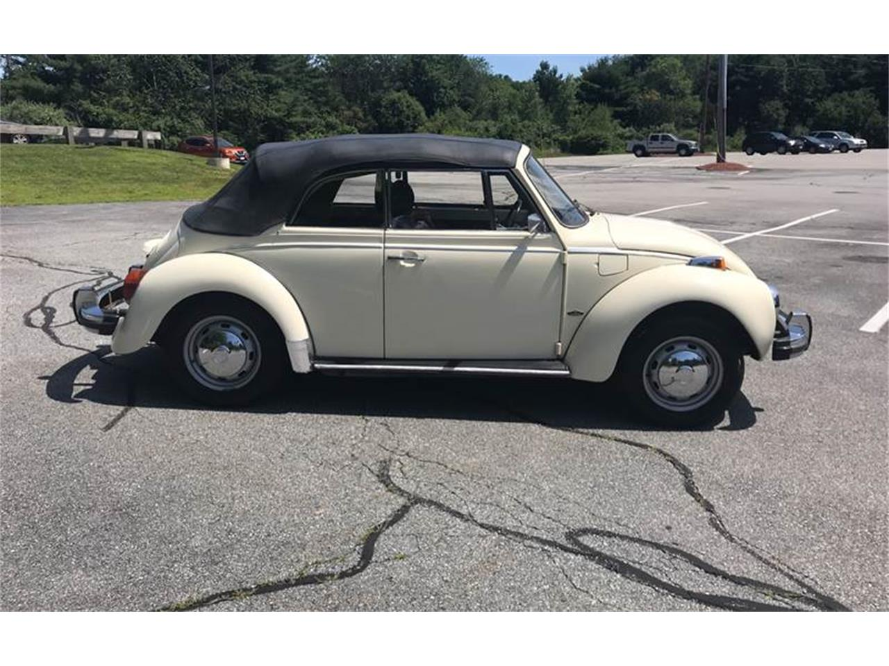 Large Picture of '77 Beetle - QI72