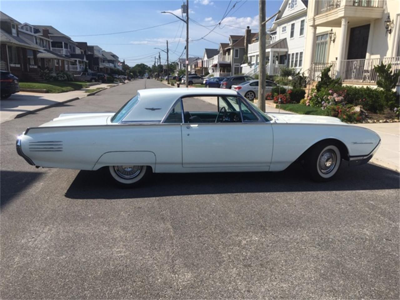 Large Picture of Classic 1961 Ford Thunderbird located in Rockaway Park New York - QIBR